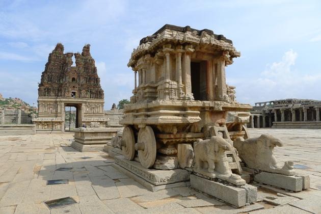 Kamienny rydwan przed świątynią Witthali
