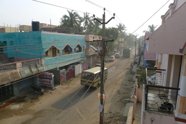 """Widok z naszego """"hotelu"""" w Madrasie (Indie)"""