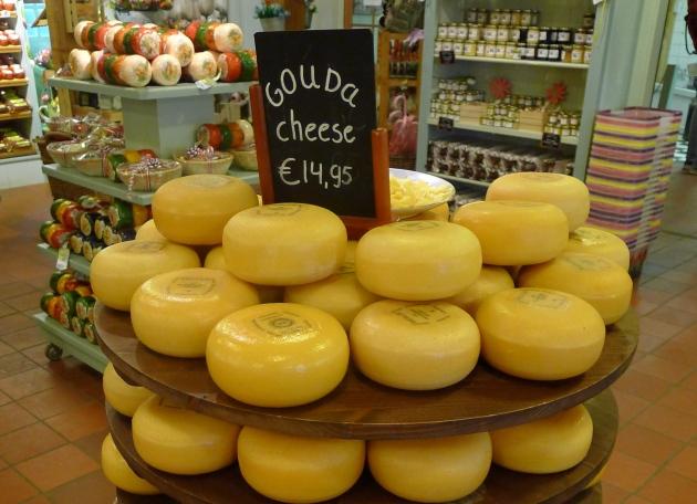 Na serowej farmie możecie zaopatrzyć się w zapas serów (jeśli cena Was nie zniechęci)