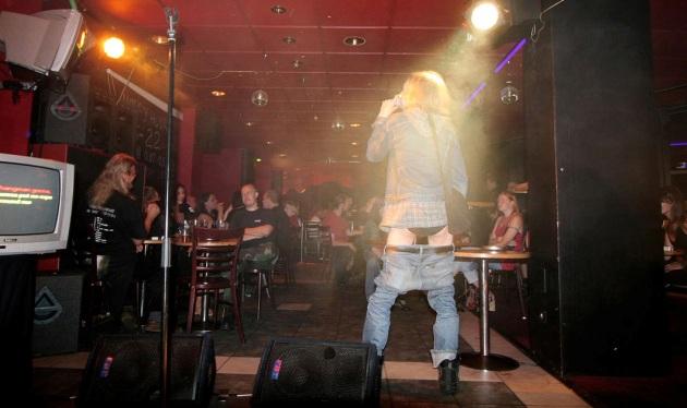 Karaoke w Helsinkach (Źródło zdjęcia: slate.com)