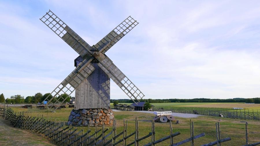 Jeden z wiatraków w wiosce Angla