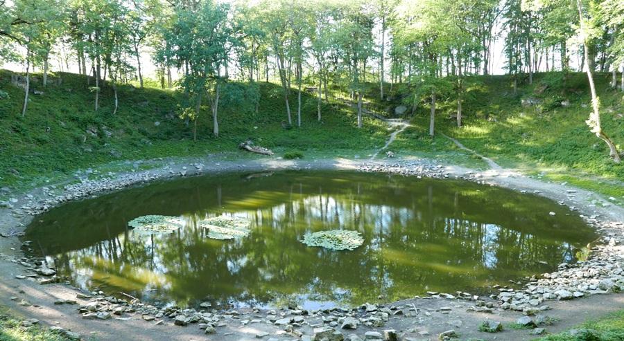 Największy z kraterów Kaali