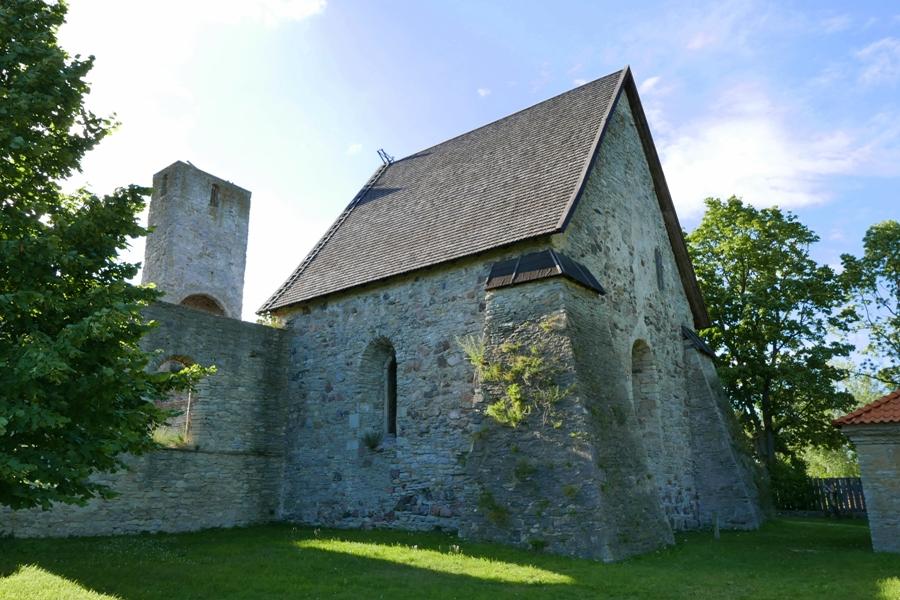 Hiuma - Kaina - ruiny kościoła
